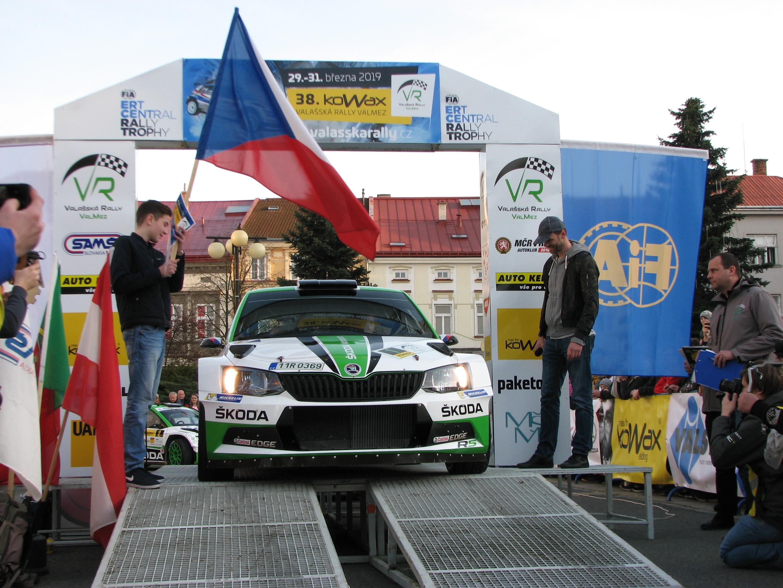Valaška opět otevře český šampionát v rally