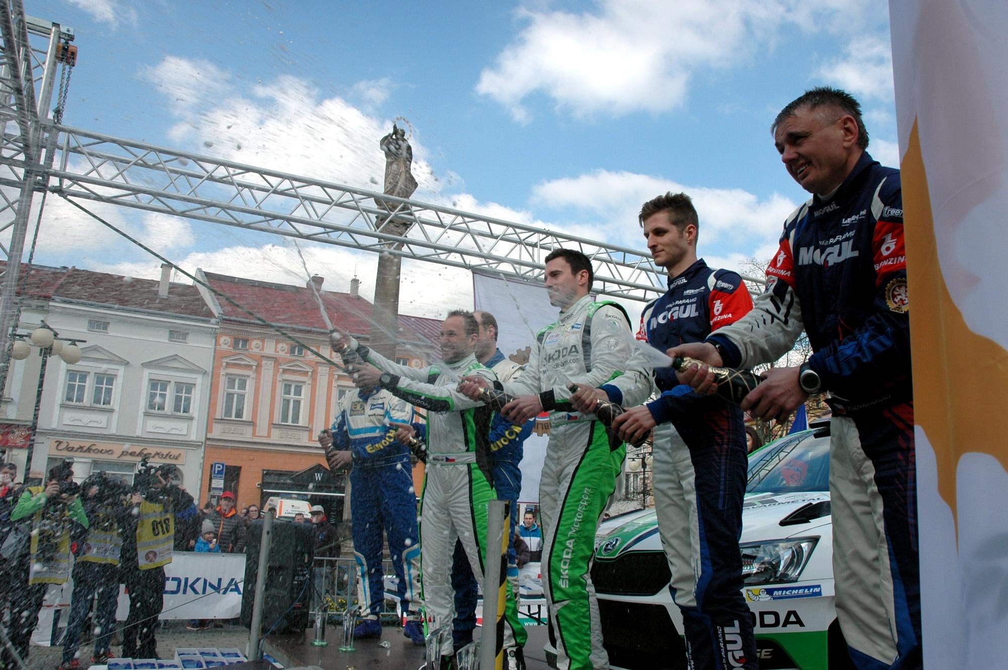 Vítězi Janča – 36. Valašské rally ValMez 2017 Jan Kopecký s Pavlem Dreslerem